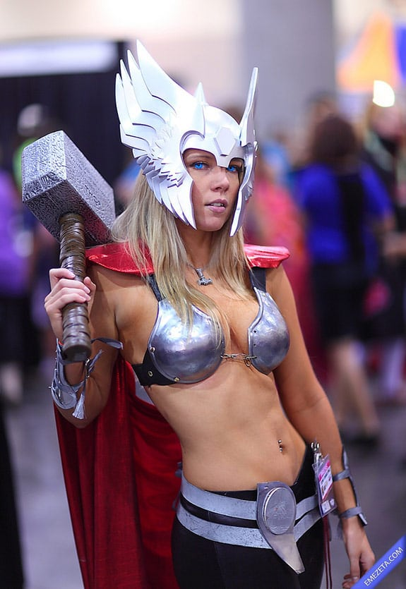 Cosplay: Sexy Lady Thor