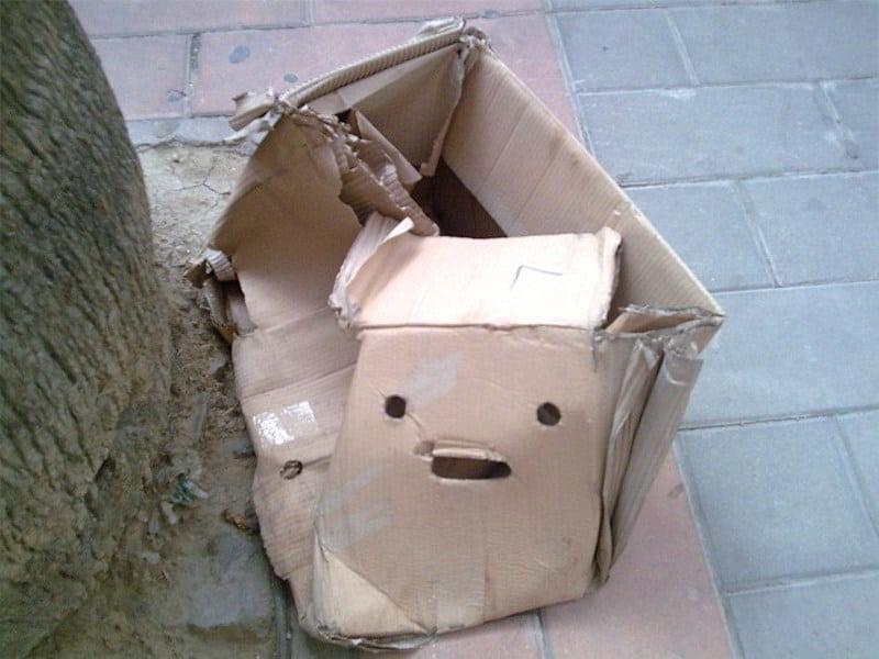 Pareidolia: Caja triste