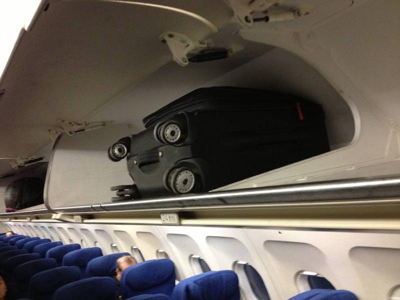 Pareidolia: Maleta avion miraba fijamente