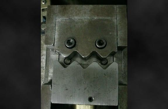 Pareidolia (rostros o figuras en imágenes): Barney Gumble en robot