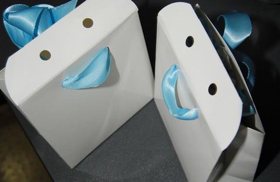 Pareidolia (rostros o figuras en imágenes): Happy paperbags