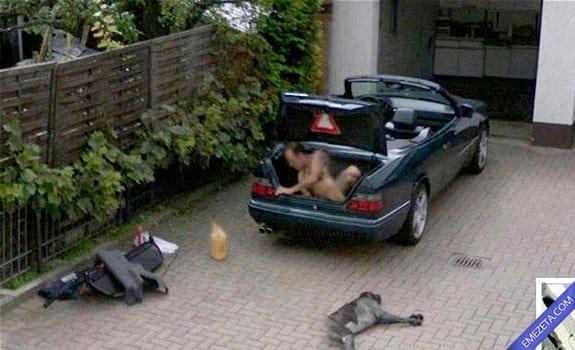 Google Street View: Nakedman